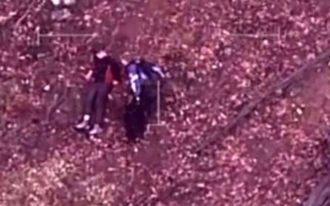 A polícia de Victoria divulgou imagens do momento do resgate em sua página no Twitter