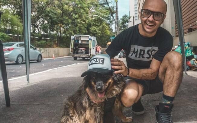 O Projeto Moradores de Rua e seus Cães foi criado com o objetivo de ajudar tanto os animais quanto os tutores