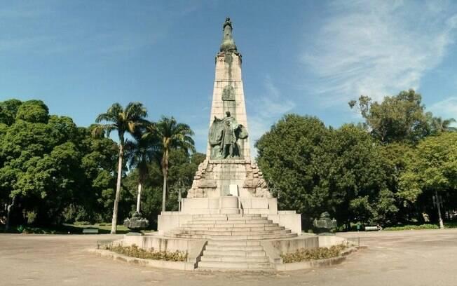 A Praça da República é um dos lugares para se conhecer no Rio de Janeiro
