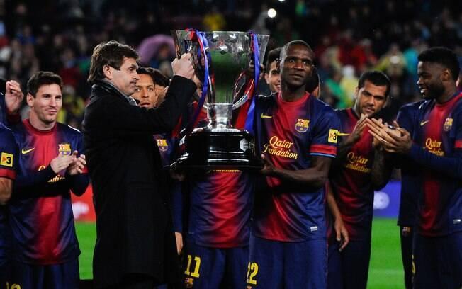 Abibal ergueu o troféu de campeão espanhol ao  lado de Tito Vilanova, técnico do Barcelona. Ambos  enfrentaram o câncer