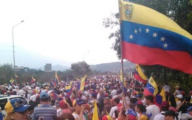 Oposição a Maduro dá início a segundo dia de protestos nacionais na Venezuela