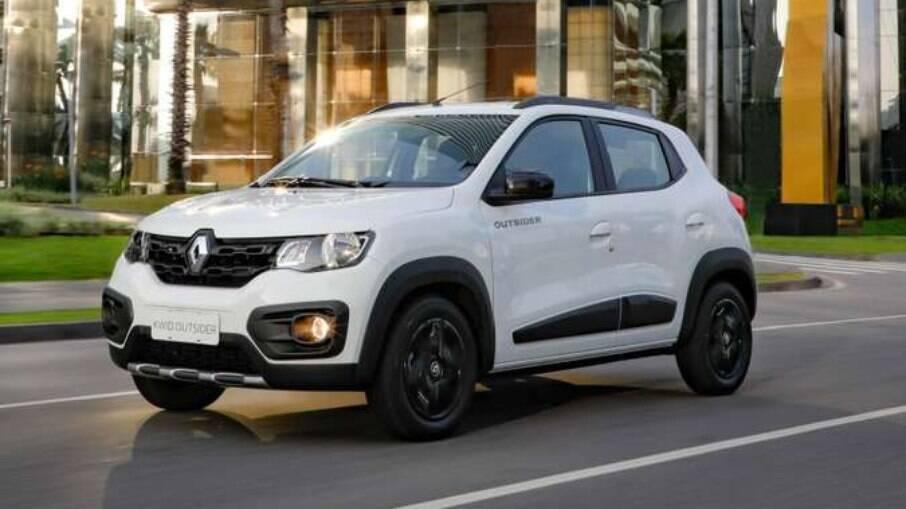 Renault Kwid é um compacto de entrada enquanto Ford Territory é um SUV premium importado
