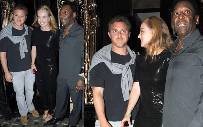 Pelé posa para fotos com Luciano Huck e Angélica