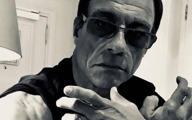 Jean-Claude Van Damme é criticado por comentário de teor machista e homofóbico
