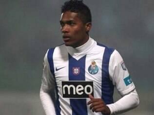 Clube português informou que Alex Sandro ficou fazendo tratamento para se recuperar de uma mialgia na coxa esquerda