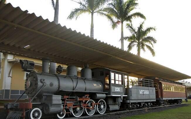 Durante o passeio de duas horas de Campinas a Jaguariúna, guia conta a história da antiga ferrovia