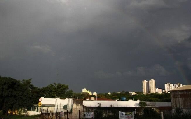 Quarta-feira tem previso de sol e chuva a tarde em Campinas
