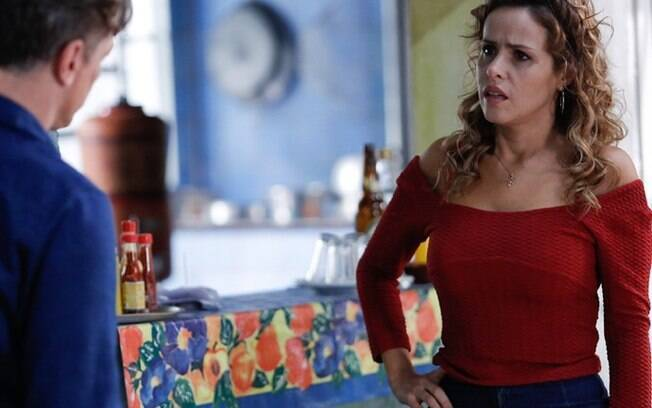 Gilda não acredita em Arthur quando ele conta que Dino colocou Eliza na cadeia, em Totalmente Demais