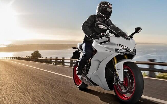 Ducati Supersport S promete conforto e desempenho exemplar, devido aos equipamentos desenvolvidos nas pistas