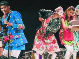 Jovem. Com apenas sete anos de vida, Cia 2 Em Cena se concentra nas artes da palhaçaria, mas flerte com outros estilos