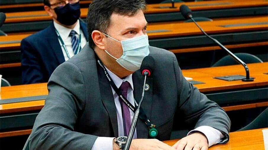 Coronel Blanco trabalhou como assessor do departamento de Logística no Ministério da Saúde, junto a Roberto Dias