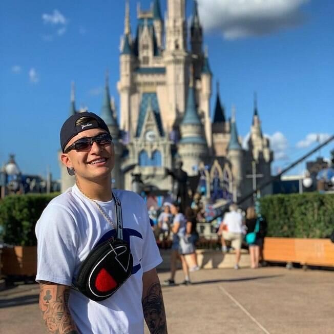 MC Gui pode ser condenado por polêmica na Disney