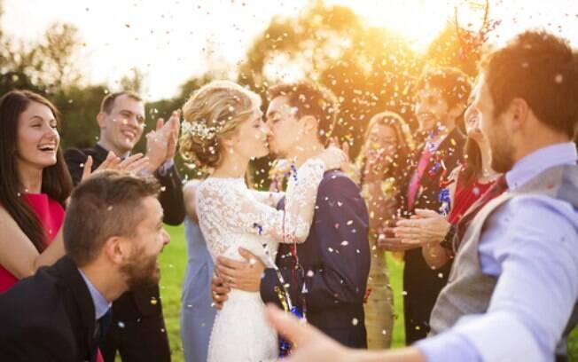 Fazer uma cerimônia de casamento com detalhes personalizados é uma ideia cada vez mais recorrente entre os noivos