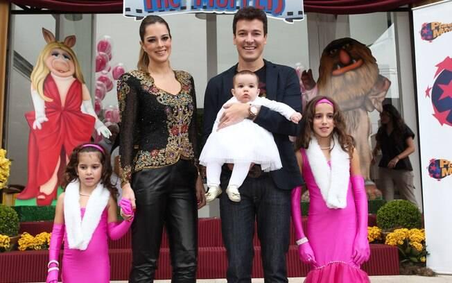 Rodrigo Faro comemora aniversário das filhas Clara e Maria, em São Paulo