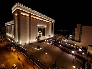 MP envia proposta à Universal para regularizar templo