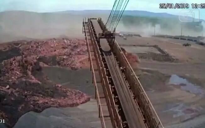 Engenheiros chegaram a informar a Vale a respeito de problemas na barragem que, dois dias depois, se rompeu em Minas