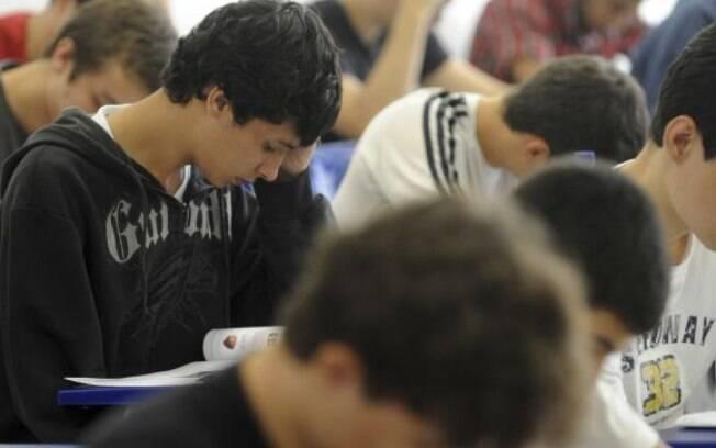 Pelo ProUni, os estudantes concorrem a uma bolsa em instituições privadas de ensino superior