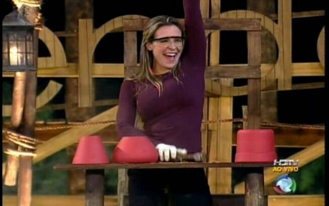 Joana comemora vitória da prova que a salva da berlinda