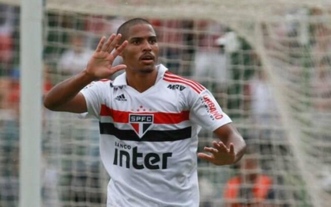 Gabriel Novaes abriu o placar para o São Paulo na final da Copinha, chegou ao décimo gol e terminou a competição como artilheiro