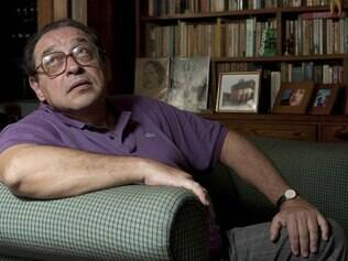 Escritor e biógrafo Ruy Castro alfinetou Chico Buarque ao saber do tema de sua próxima obra
