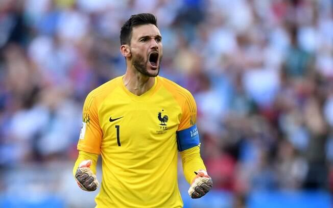 Lloris em ação pela França durante a Copa do Mundo de 2018