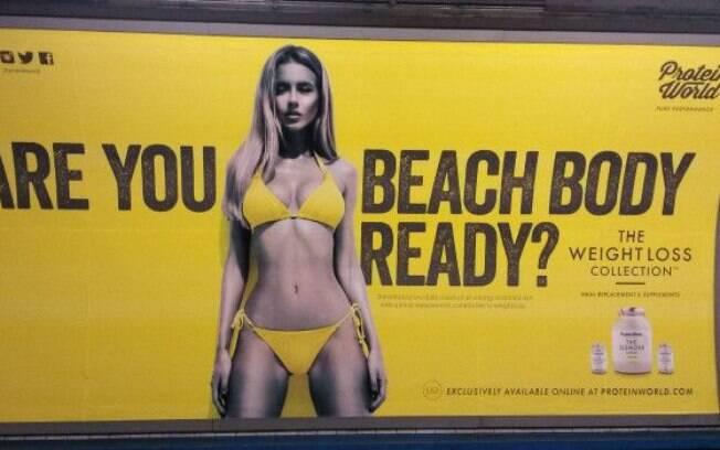 Cartaz de produtos de emagrecimento gerou polêmica em Londres.