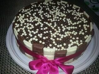 Michele aceita encomendas dos mais diversos bolos e sobremesas, a gosto do cliente