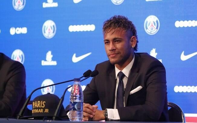 Há exatos um ano, Neymar chegava ao PSG e concedia entrevista coletiva