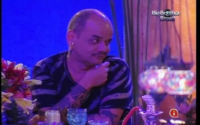 João Carvalho conta que já foi viciado em cocaína