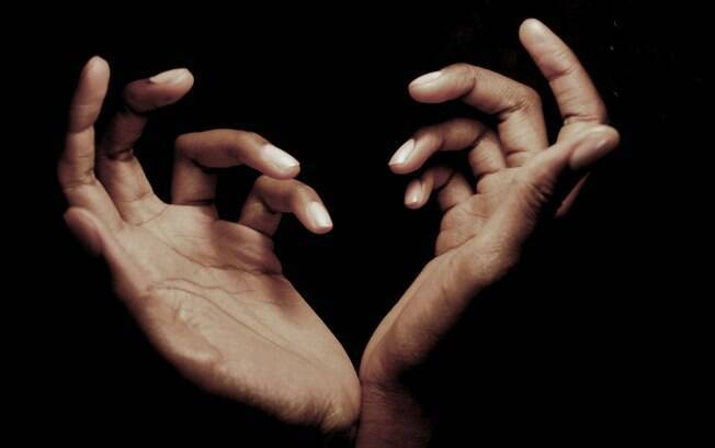 Nossas mãos guardam nossos mistérios