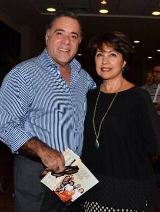 Tony Ramos e famosos prestigiam Laura Cardoso e Nívea Maria em peça de teatro