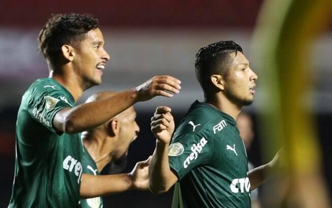 Em lance inusitado, Abel Ferreira 'inicia' jogada do gol do empate do Palmeiras contra o São Paulo
