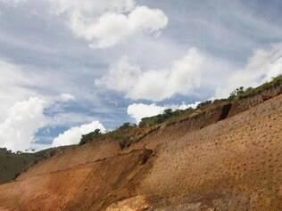 Ibama disse que água que brota das rochas não indica existência de minas ou nascentes