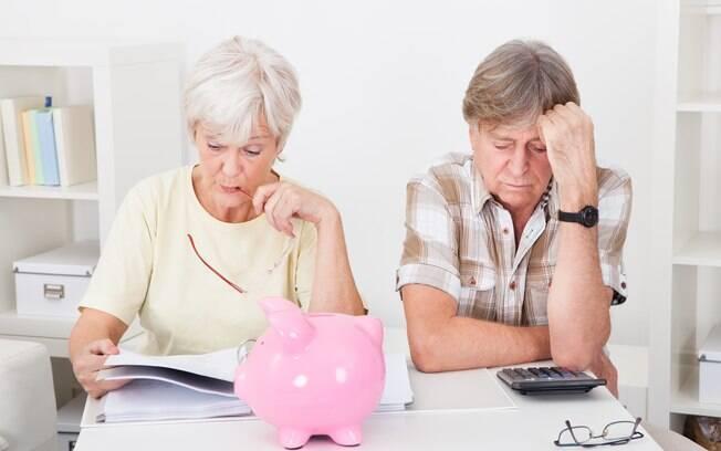 idosos com dívidas