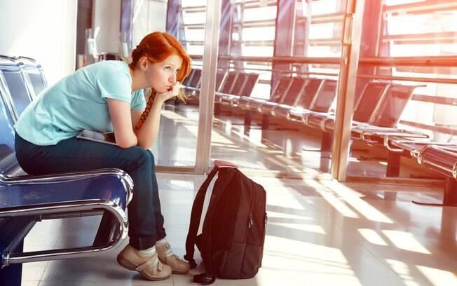 É preciso saber com quem falar perdi meu voo. Algumas companhias, como a Azul e a Delta, permitem que você use aplicativos para remarcar seus voos. Outras, como a LATAM, exigem que você ligue para a central ou se dirija a uma loja
