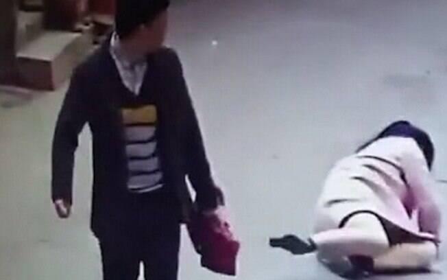 Depois da agressão, a polícia chinesa identificou o agressor; ele foi detido por 10 dias e teve o e-commerce excluído