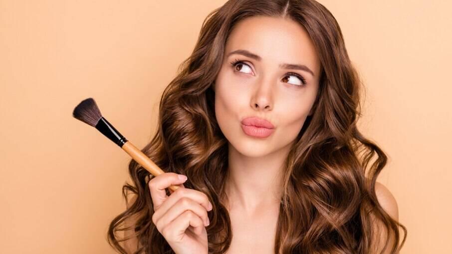 Usar maquiagem no dia a dia prejudica a pele?