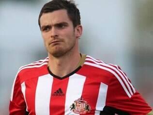 Jogador foi preso em sua casa após forte esquema da polícia inglesa
