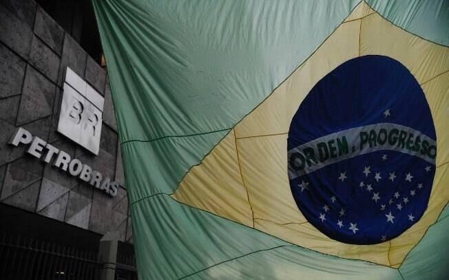 Combinados, os dois papéis da Petrobras – PETR3 e PETR4 – têm peso de mais de 12% no Ibovespa