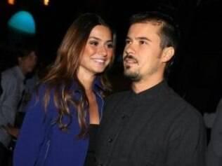 Thaila Alaya e o namorado Paulinho Vilhena