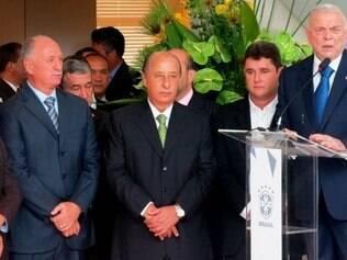 Já passou da hora do futebol brasileiro ter a sua revolução. Tudo precisa mudar