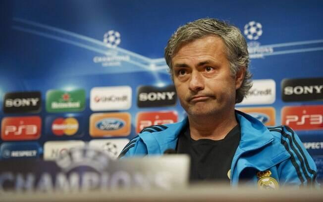 Mourinho em coletiva para jogo contra o Ajax