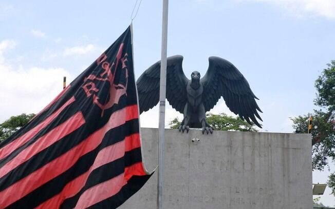 Nesta segunda-feira (11), representantes do Flamengo deverão participar de uma reunião no Ministério Público para tentar esclarecer o que ocorreu