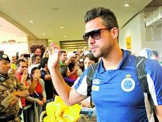 Ídolo. Fábio já o terceiro jogador que mais vestiu a camisa do Cruzeiro, atrás apenas de Dirceu Lopes (610 jogos) e Zé Carlos (633)