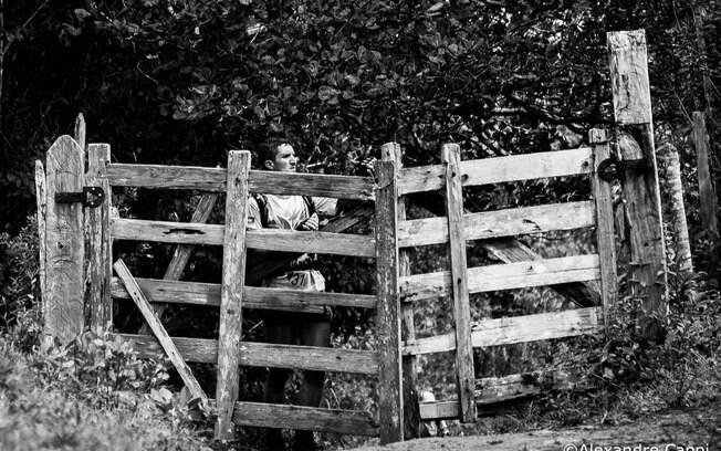 E havia um portão no meio do caminho  escolhido na corrida