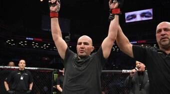 Glover nega aposentadoria após luta por título dos meio-pesados