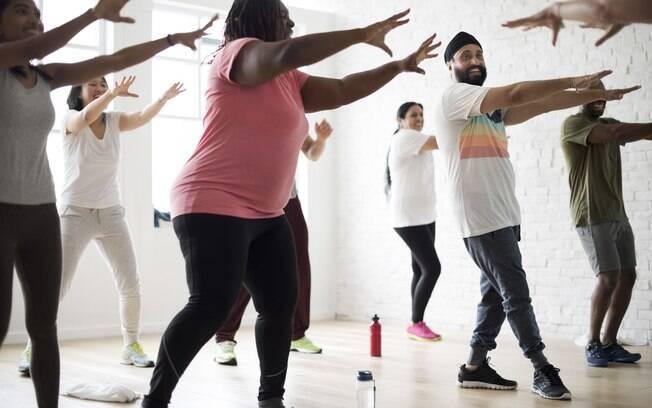 Aulas de dança mexem com todo o corpo, queimam muitas calorias e ainda são bem divertidas