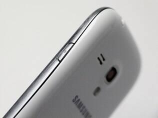 Galaxy S III Mini tem corpo de plástico como outros modelos da linha Galaxy
