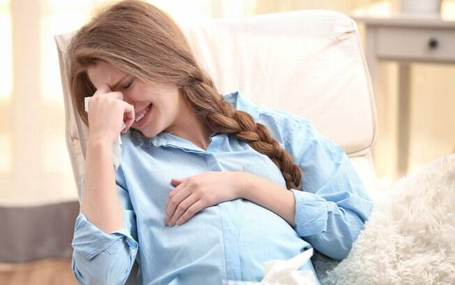 grávida chorando