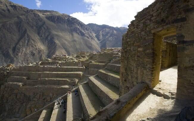 Uma das paradas é feita na cidade fortificada de Ollantaytambo